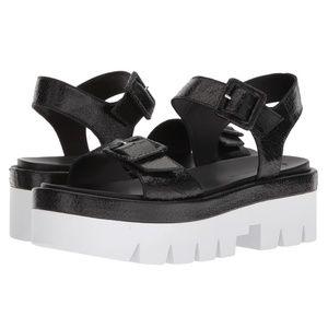 Kendall & Kylie Wave Platform Leather Sandal